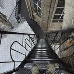 Steile Treppe auf der Kathedrale in Quito