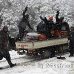 Strassenarbeiter unterwegs