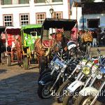 Pferde und Motorräder in Tridentes