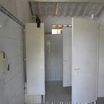 Tucan auf der Toilette