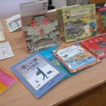 今回は、国や地域の文化を紹介する絵本と旅するストーリーの絵本を中心にセレクトしてます。