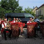 Mit bekannten Titeln vom Schlager, Walzer, Polka und Marsch spielt die Oderbrucher Blasmusik