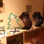 花田さんのガラスと舘さんの金属のツリーステキです