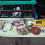Schleifteller, Handschuhe und Gehörschutz