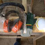 Gehörschtutz, Schutzvisier, Handschuhe und Mund- und Nasenschutz