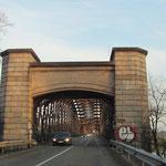 Rheinbrücke Wintersdorf auf der Seite Elsaß, © Fotos Peter Diziol