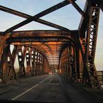 Rheinbrücke Wintersdorf, immer neue Eindrücke, © Foto Peter Diziol