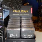 Black Magic Karten: französische Spielkarten in schwarz-glänzend/schwarz-matt