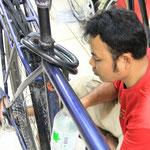 Auch das Fahrrad bekomt noch einen Service