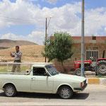 Unsere Abfahrt wird auch gleich noch gefilmt, Tour de Iran :)