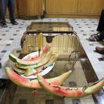 Eine ganze Melone gefraemslet!