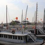 Jetzt startet das Touriprogramm zur Halong Bay.