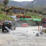 Die Albaner waschen ihre Mercedes seeeehr oft!