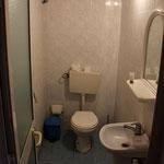 Dusche, Brünneli, Wc in einem :)