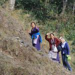 Ausflug zum Fluss mit Nachbarin Lobsang