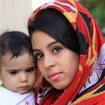 Mohammeds Tochter Maza mit Cousin Amir