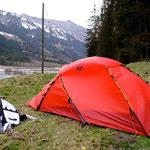 Nach der Theaterprobe im Kiental, wir das Zelt getestet...