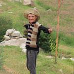 Tschuess junger Mann, und uebrigens: Der Hut steht dir :)