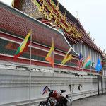 Ankunft beim Wat Pho...