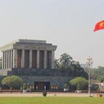 Das Mausoleum von Ho Chi Minh, er war ein vietnamesischer Revolutionaer, Politiker, Premierminister und Praesident!