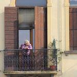 Hey mama, das wäre doch ein Balkon für Dich :)