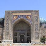 Der Registan, ein praechtiger Platz!