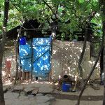 Tajikhaus, bei ihnen konnten wir im Garten uebernachten