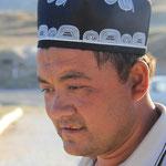 Traditioneller Usbeke mit traditionellem Hut
