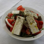 mmmm fein, griechischer Salat mit vieeel Käse