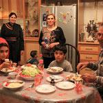 Am letzten Abend in dieser wunderbaren Familie, Taschakur fuer Alles!