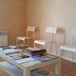La salle d'attente - Cabinet d'ostéopathie de Mélanie Laurès - Angers