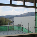 二階の窓から生駒山