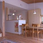 一体空間のキッチン、居間、食堂