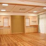 床は吉野の杉板です。