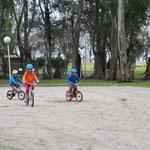 Les enfants ont retrouvé leurs vélos ...