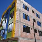 Construction BBC à la bolivienne ... Bâtiment avec Besoin de Chaleur !