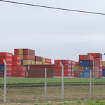 Des étendues de containers en attente de chargement !