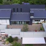 Villa, VS-Schwenningen | Dacheindeckung und Fassade mit Faserzement