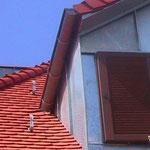 Wohnhaus, VS-Schwenningen | Dachsanierung | Biberschwanzdoppeldeckung & Verkleidungen in Titanzink
