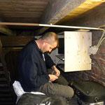 Bart en Gerard hebben veel uurtjes in de toren doorgebracht. De werkomstandigheden waren ondanks de kussens niet geweldig.