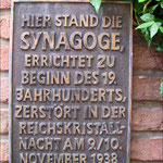 Gedenktafel:  Standort der ehemaligen Synagoge in der Marktgasse
