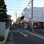 左折して南に進み、最初の十字路(右前方に島田産業安東店)を直進