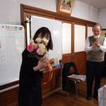 入会式② 記念品+花束贈呈