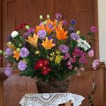 会堂に飾られた花