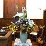 4月20日 ユリの花が満開に