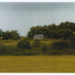 ZEICHEN im Bruch, Libbenichen, 1988, Holz, Kalk, 380 x 700 cm