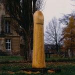 Spielkraft, Natur-Kunstzeichen, Schloss Trebnitz, 1997, Eiche, 308 x 60 cm
