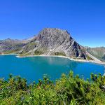 August - Sommertraum in den Bergen - Lünersee im österreichischen Bundesland Vorarlberg