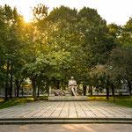 Auf dem Weg in die Altstadt: Tammsaare-Park mit Statue des gleichnamigen Schriftstellers