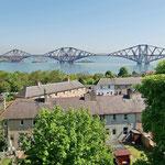 Edinburgh - Forth Bridge (Eisenbahnbrücke) über den Firth of Forth